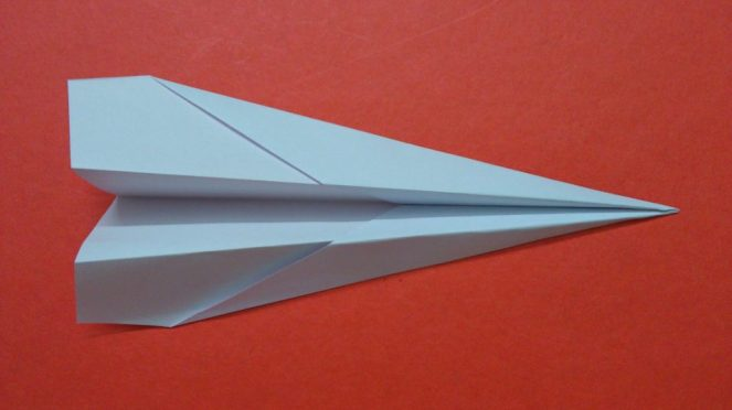 dart-paper-airplane-960x540